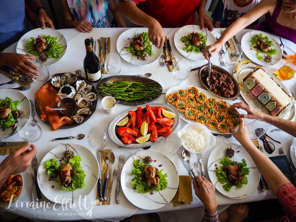 Plný stôl jedla, to je základ francúzskych Vianoc